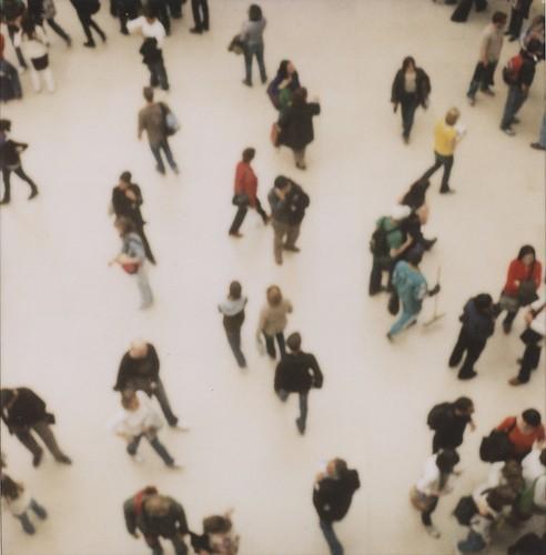 louvre,museum,paris,people,polaroid-bdbf3cf08e563f506197b8b65dea3ca3_h