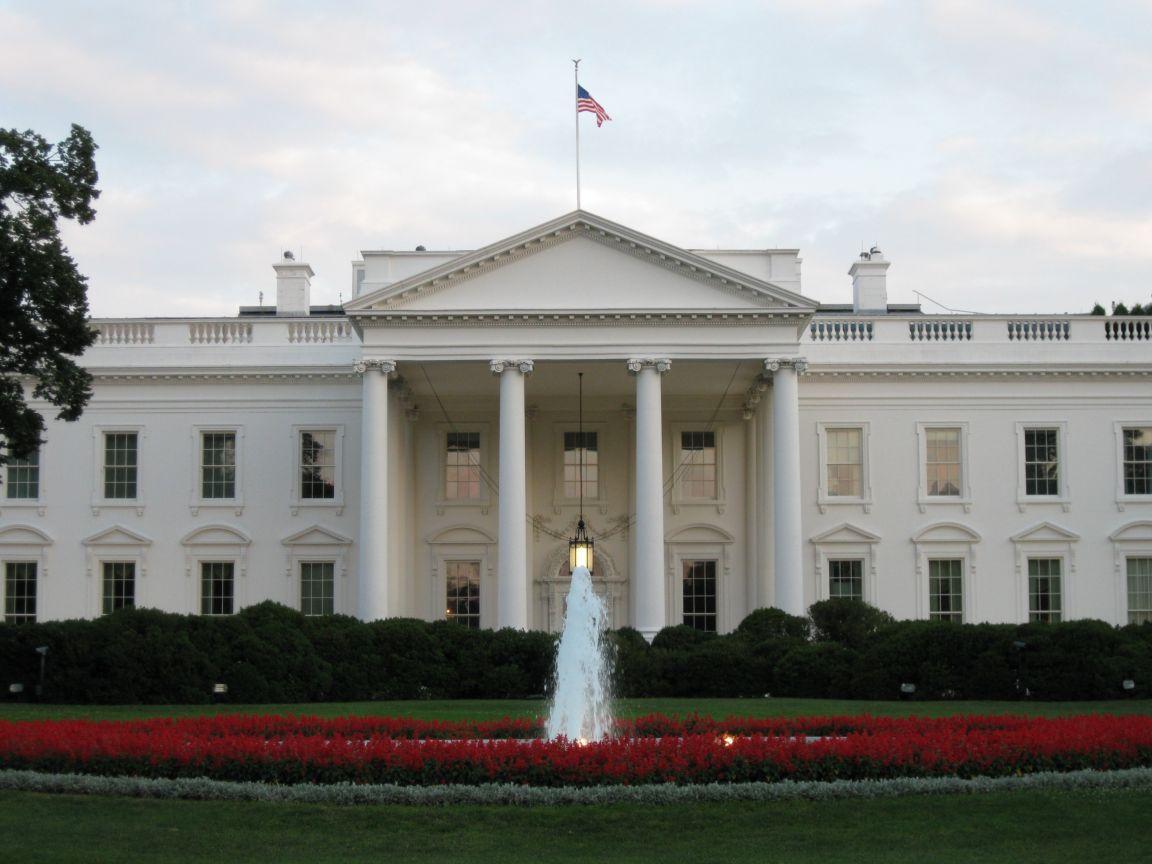 north-portico-of-the-white-house-washington-dc-united-states+1152_12888441012-tpfil02aw-32074