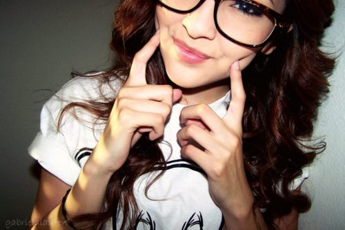 girl-glasses-smile-Favim.com-322720_large